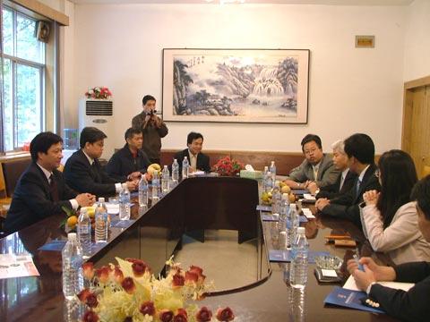 我公司领导与日本百川公司代表洽谈合作事宜